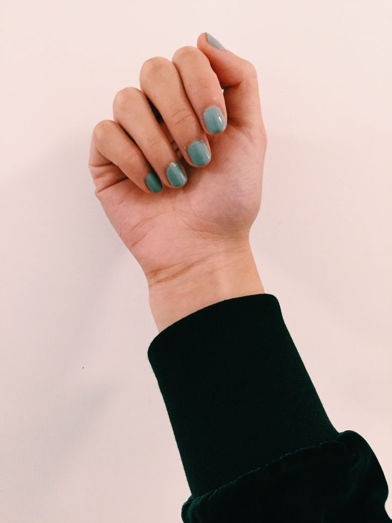 On the bright side, I'm loving this Essie color. Wish I remembered the name of this!